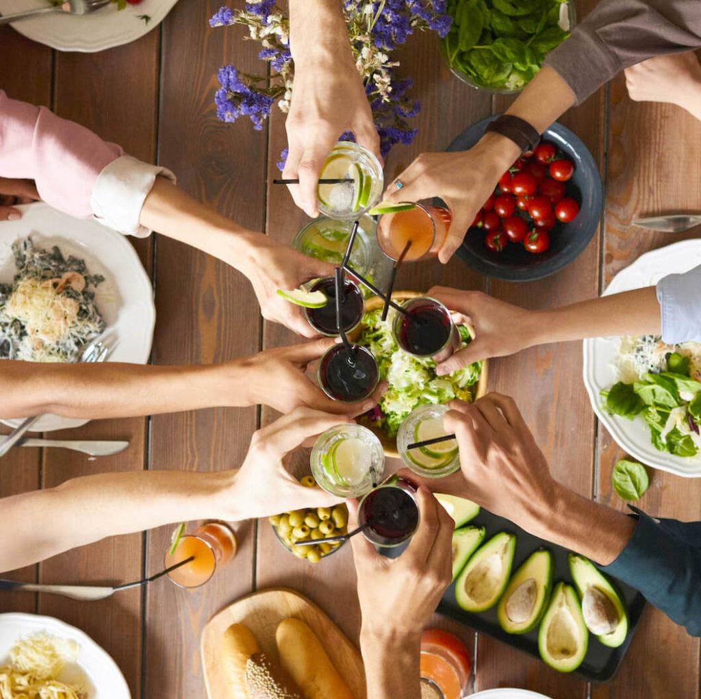 สำหรับ HR ท่านใดที่สนใจบริการสวัสดิการอาหารกลางวันฟรีแก่องค์กรของคุณ สามารถเข้าไปดูรายละเอียดได้ที่ www.kinkao.co